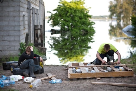 5a-w-oczekiwaniu-na-druga-fale-ii-miejsce-w-konkursie-wielkopolska-press-photo-2010-fot-dominik-golenia