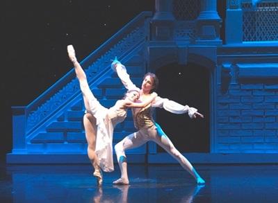 1. Romeo i Julia 2008 Fot. Juliusz Multarzyński, z archiwum Teatru Wielkiego