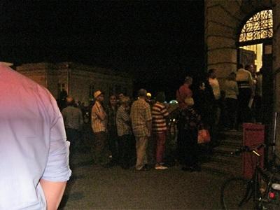 2-tlum-z-pit-ami-2011-przed-poczta-fot-stefania-pruszynska